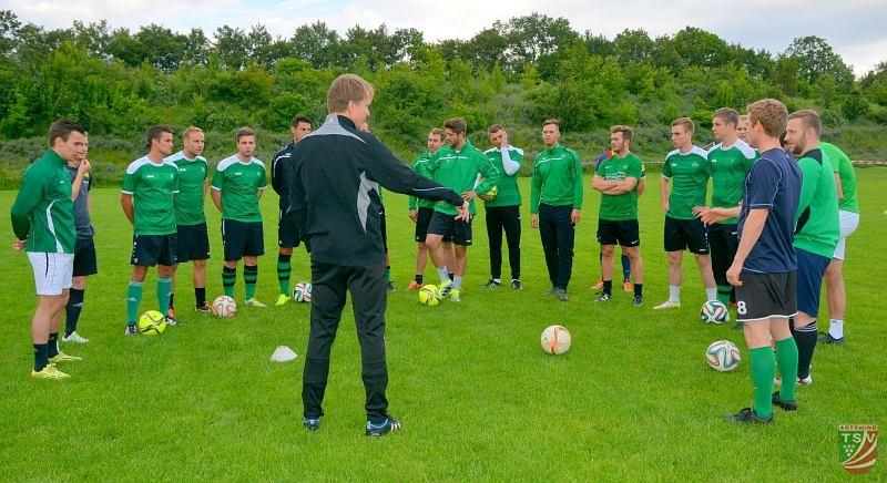 Trainingsauftakt der Landesliga-Mannschaft 13.06.2016