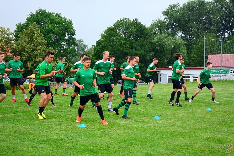 Trainingsauftakt der Bayernliga - Mannschaft am 11.06.2018