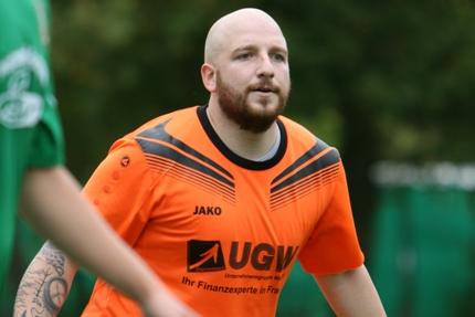 Florian Warschecha fliegt mit kaputter Schulter