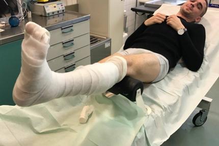 Eduard Schneider: Vom Spielfeld ins Krankenhaus