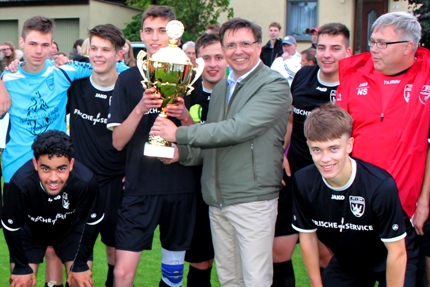 U17 gewinnt den Landräte-Pokal